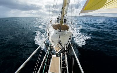 How to Read the Wind When Sailing