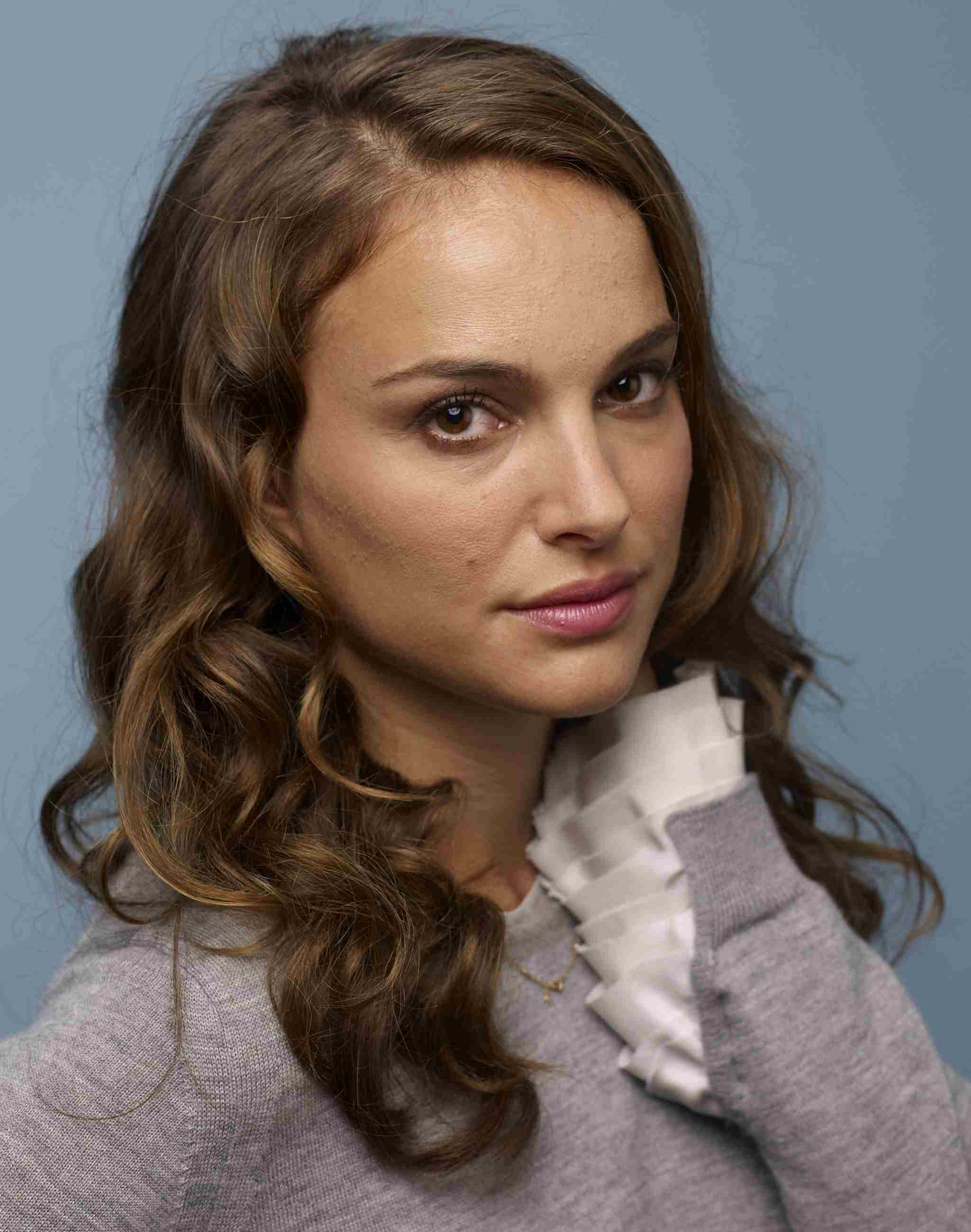 20 Famous Brunettes With Great Haircuts