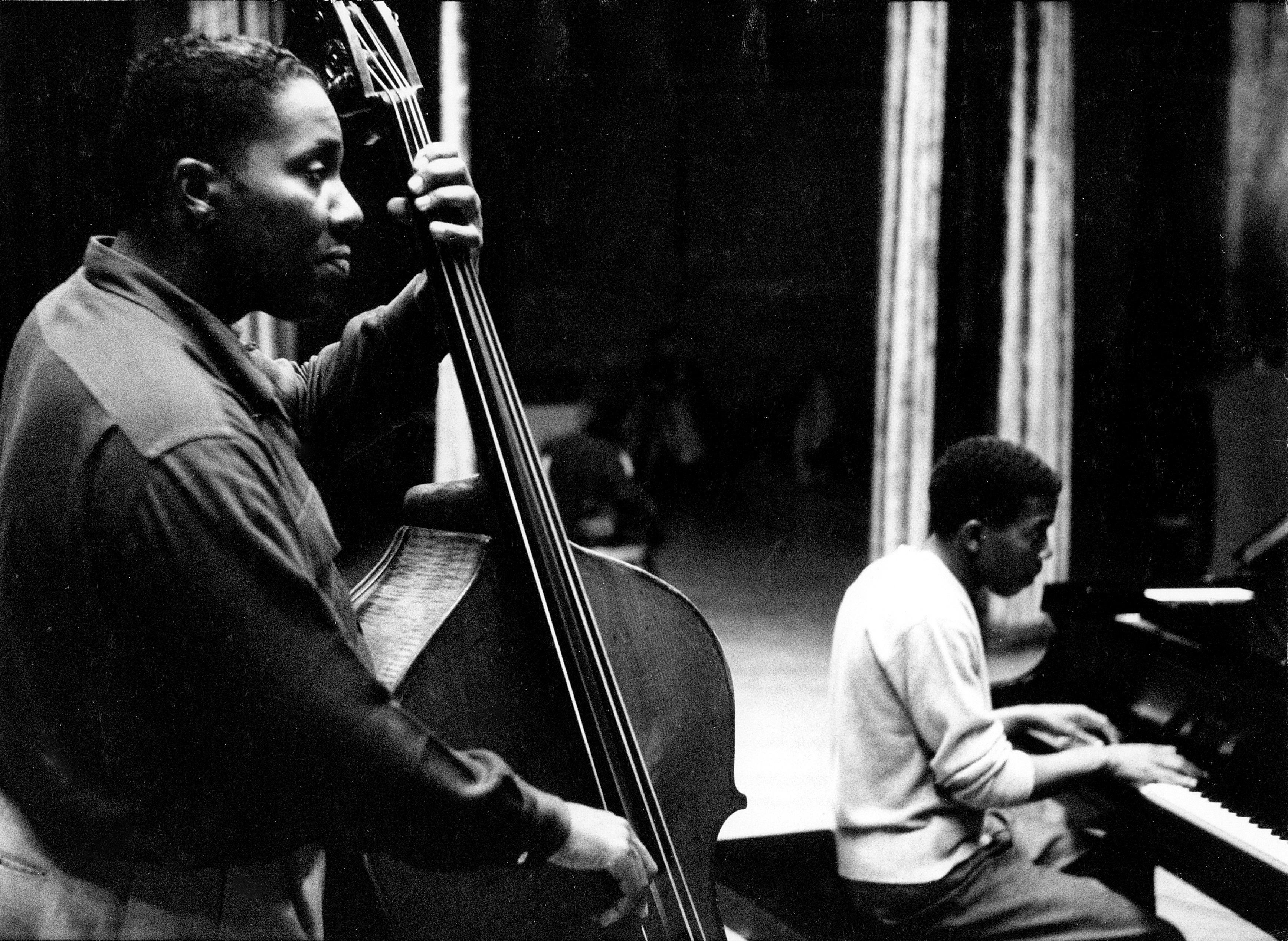 Eugene-Wright-1960-Michael-Ochs-with-Sonny-Terry.jpg