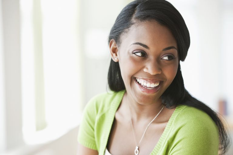 Lye and no-lye relaxers produce similar results.