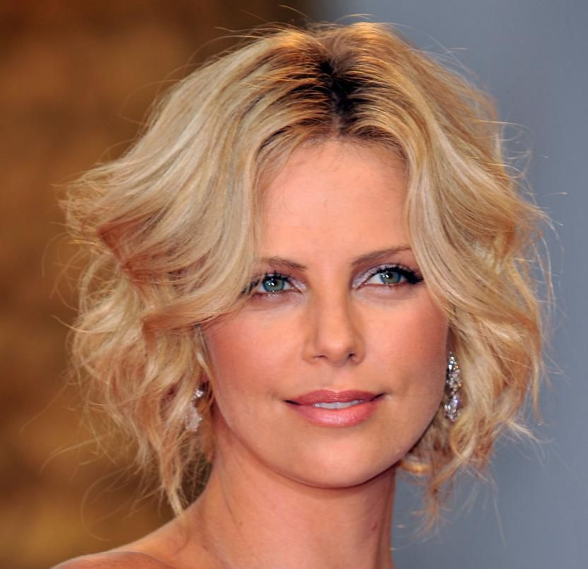 Actress Charlize Theron attends The Burning Plain premiere on August 29, 2008 in Venice, Italy