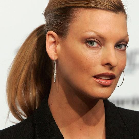 Former model Linda Evangelista attends a press conference prior to the Women's World Awards on November 29, 2005