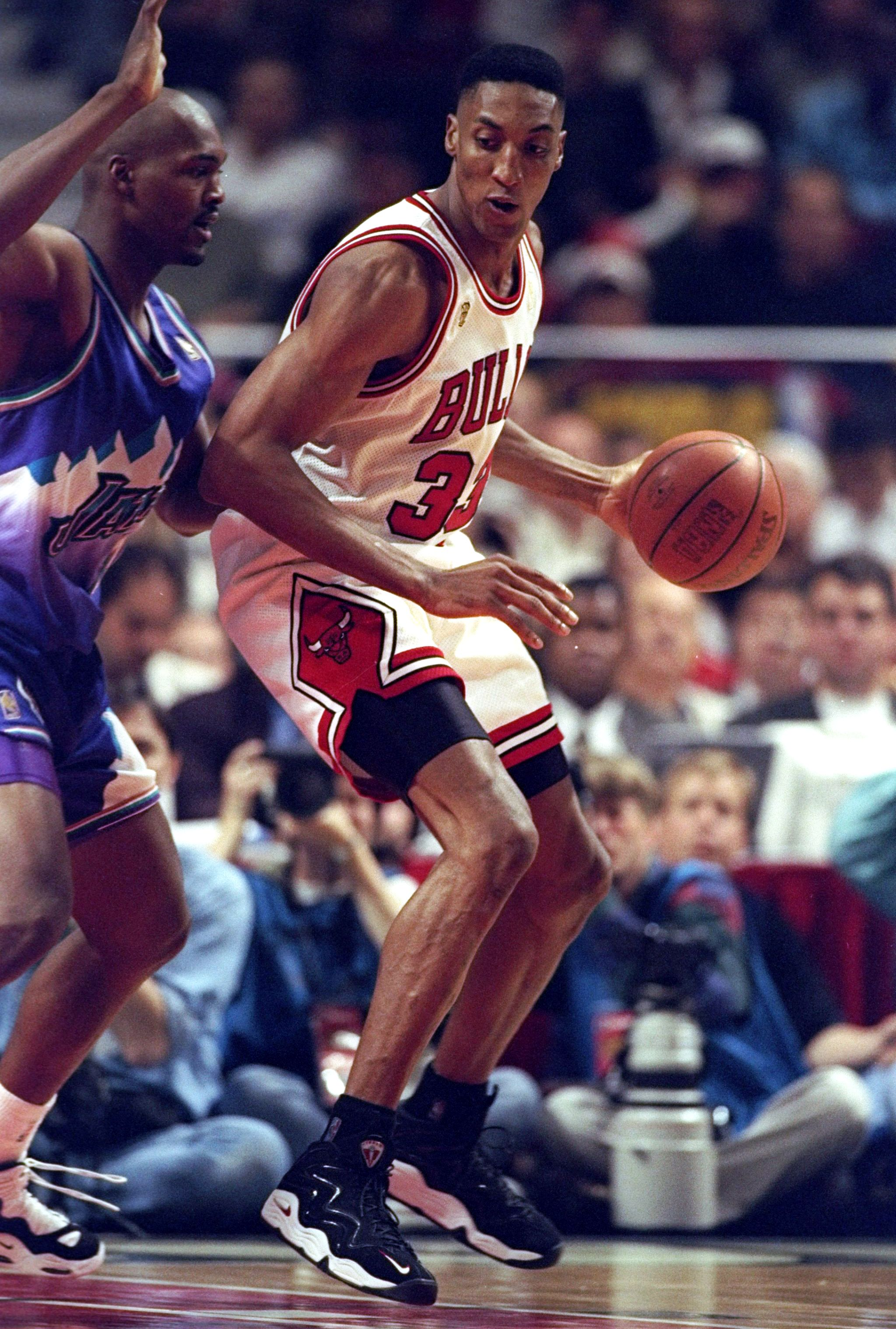 8271dac373b0 Scottie Pippen s 10 Best On-Court Shoes