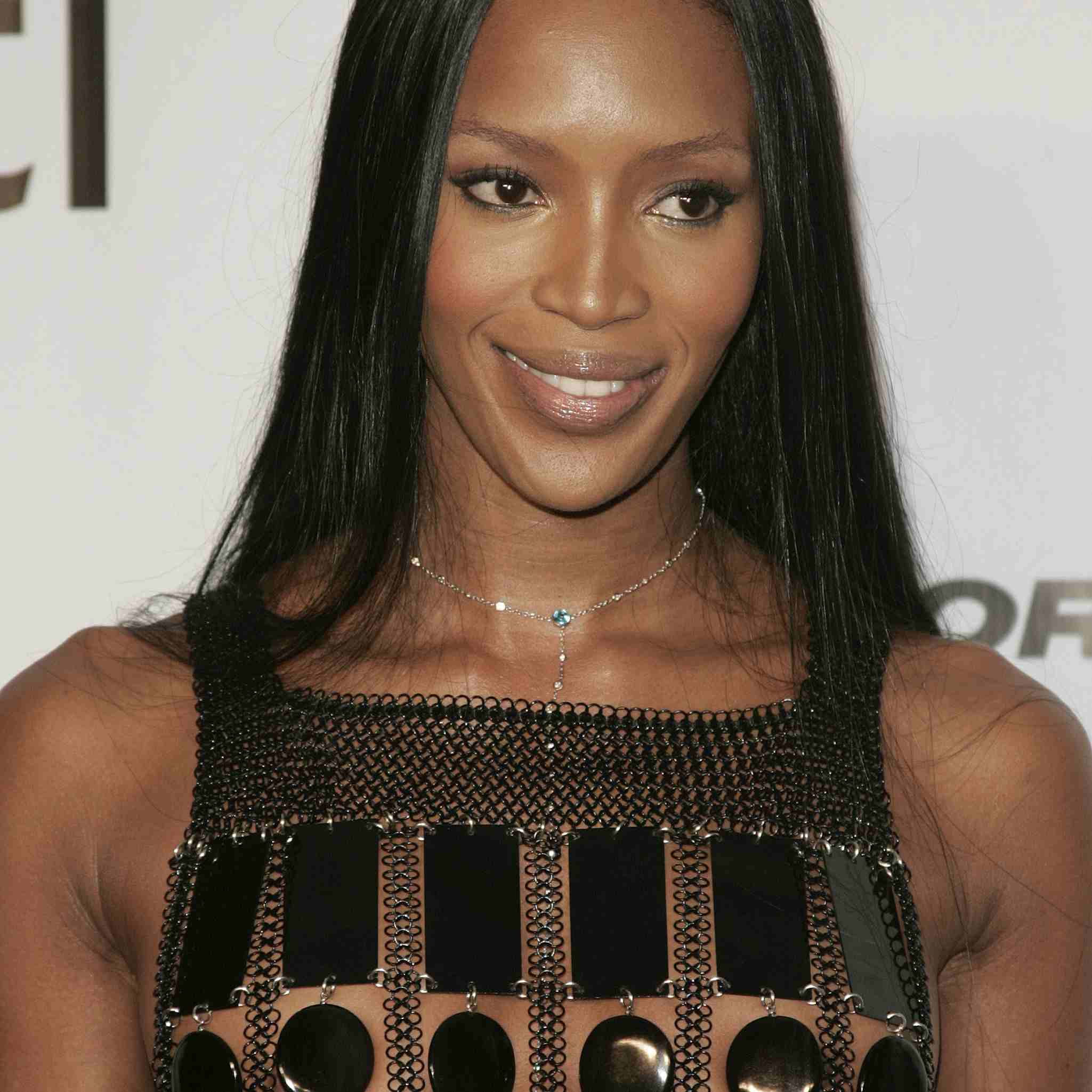 Naomi Campbell in lace front wig