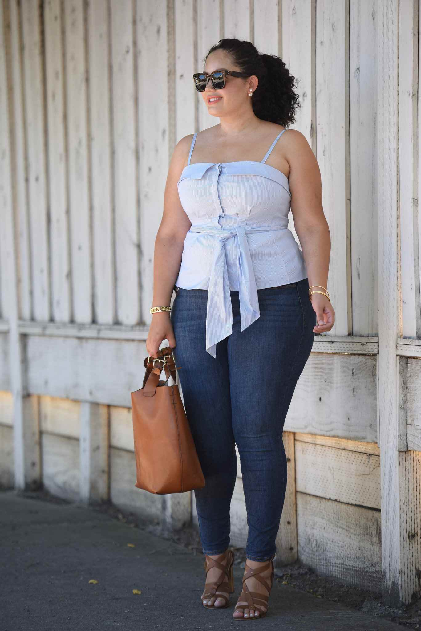 38c22eeb7eb7c 14 Plus Size Jeans Outfits That Will Turn Heads