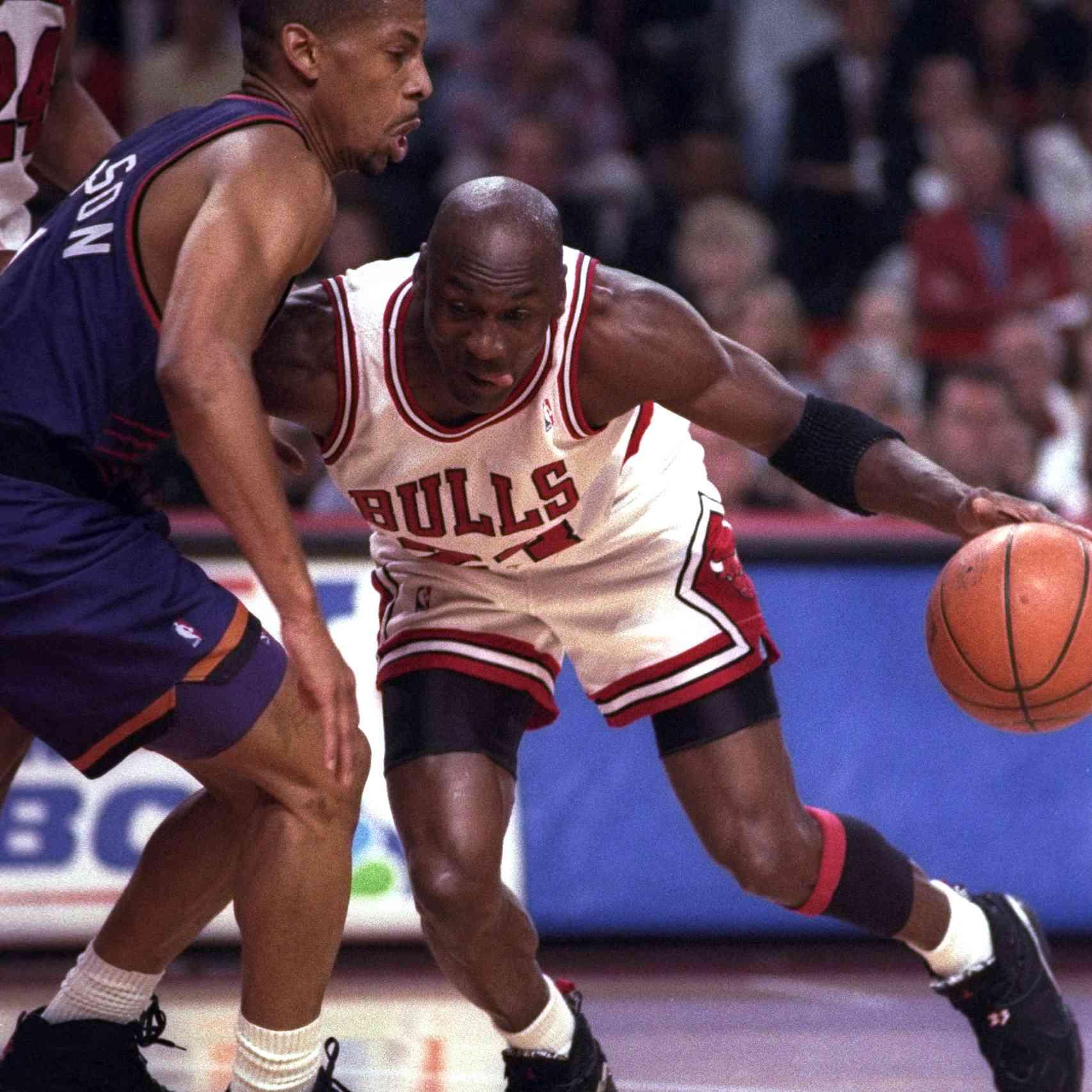 7b8b6556fce michael-jordan-air-jordan-8-1993-nba-finals.