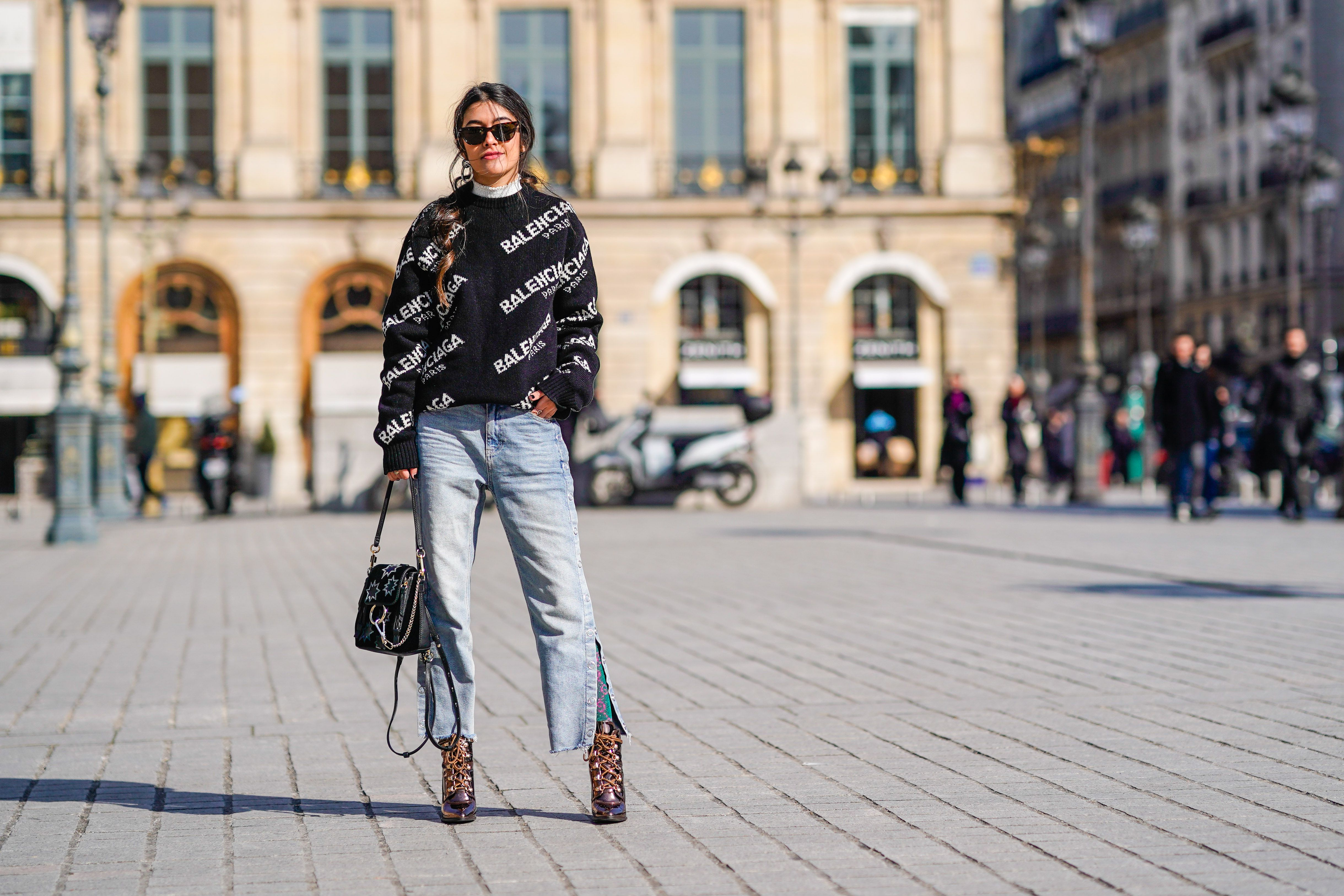 18defd787fb9 Wide Leg Jeans Outfits Inspired by Paris Street Style