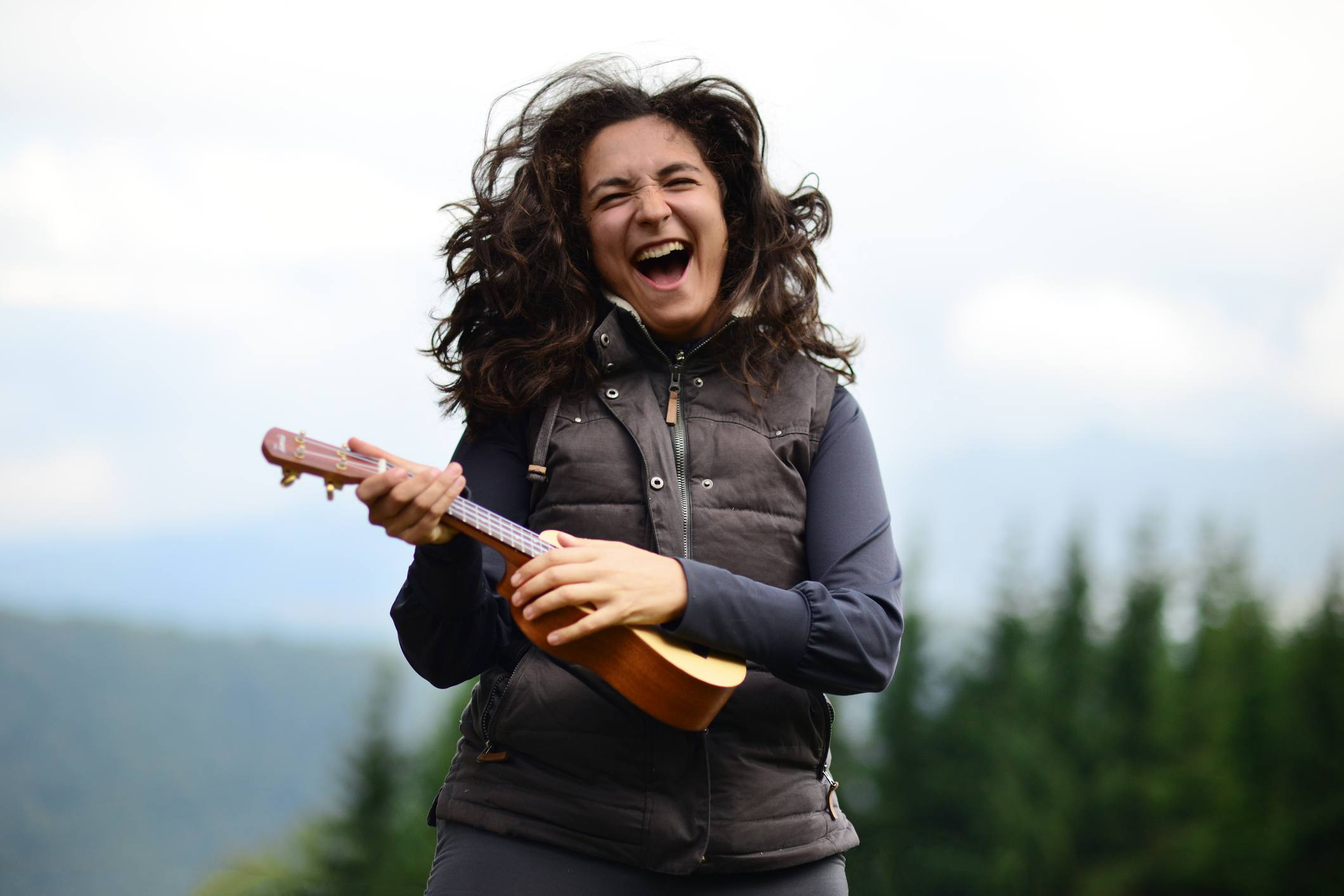 Woman rocking on a Ukulele