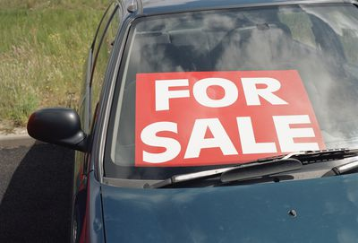 Selling A Used Car Safe Ways To Accept Cash Payment