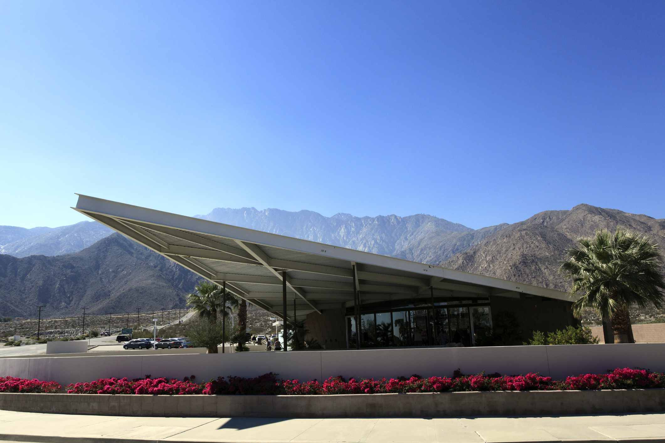 Exterior of palm springs visitors center