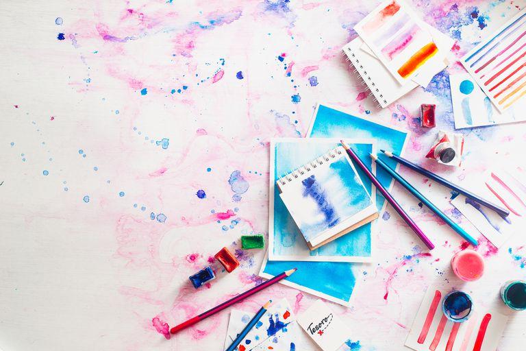 Watercolor-paint-on-sketchbooks