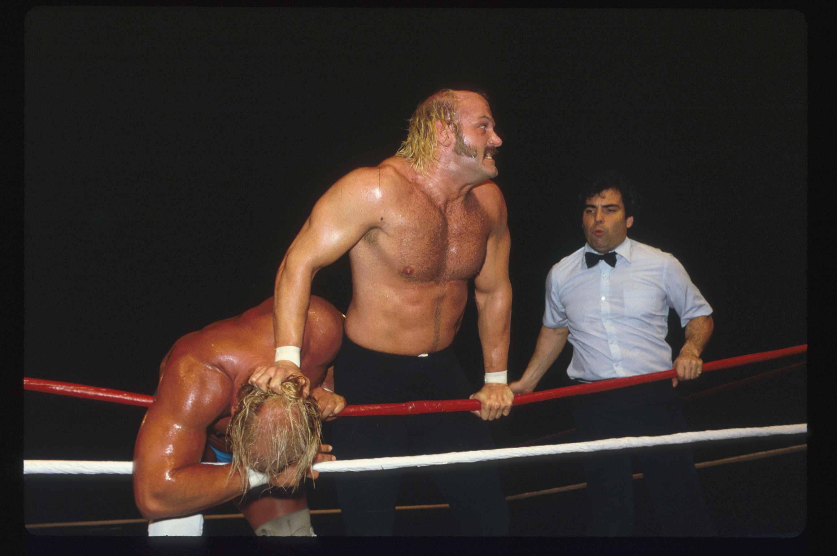 Wrestlers Hulk Hogan and Jesse 'The Body' Ventura