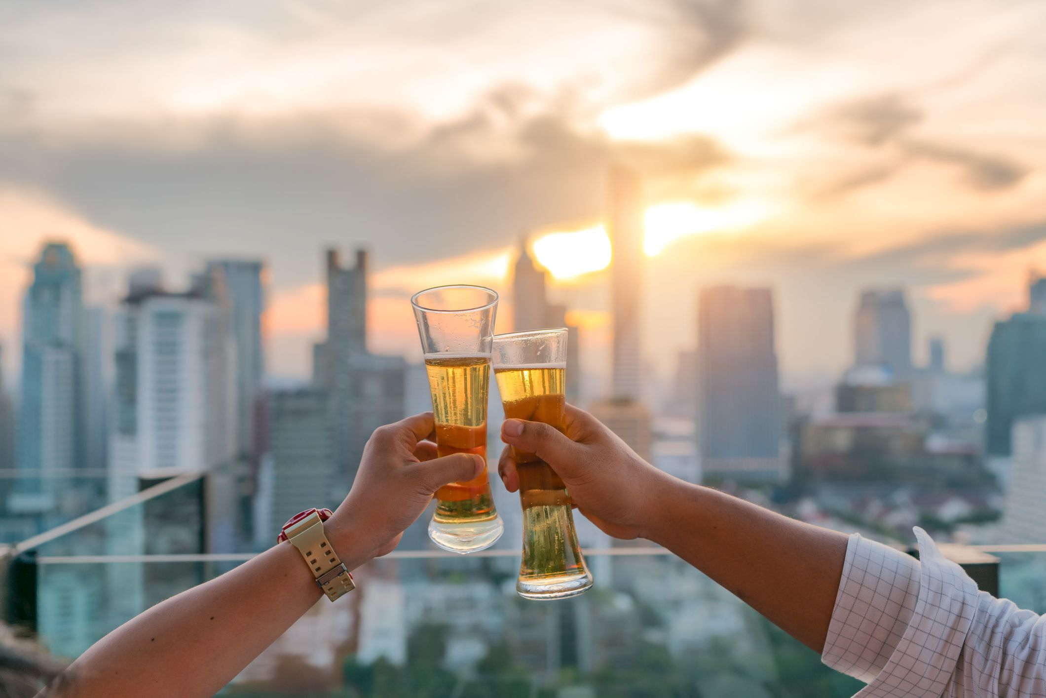 5 Signs Youre Dating an Alcoholic