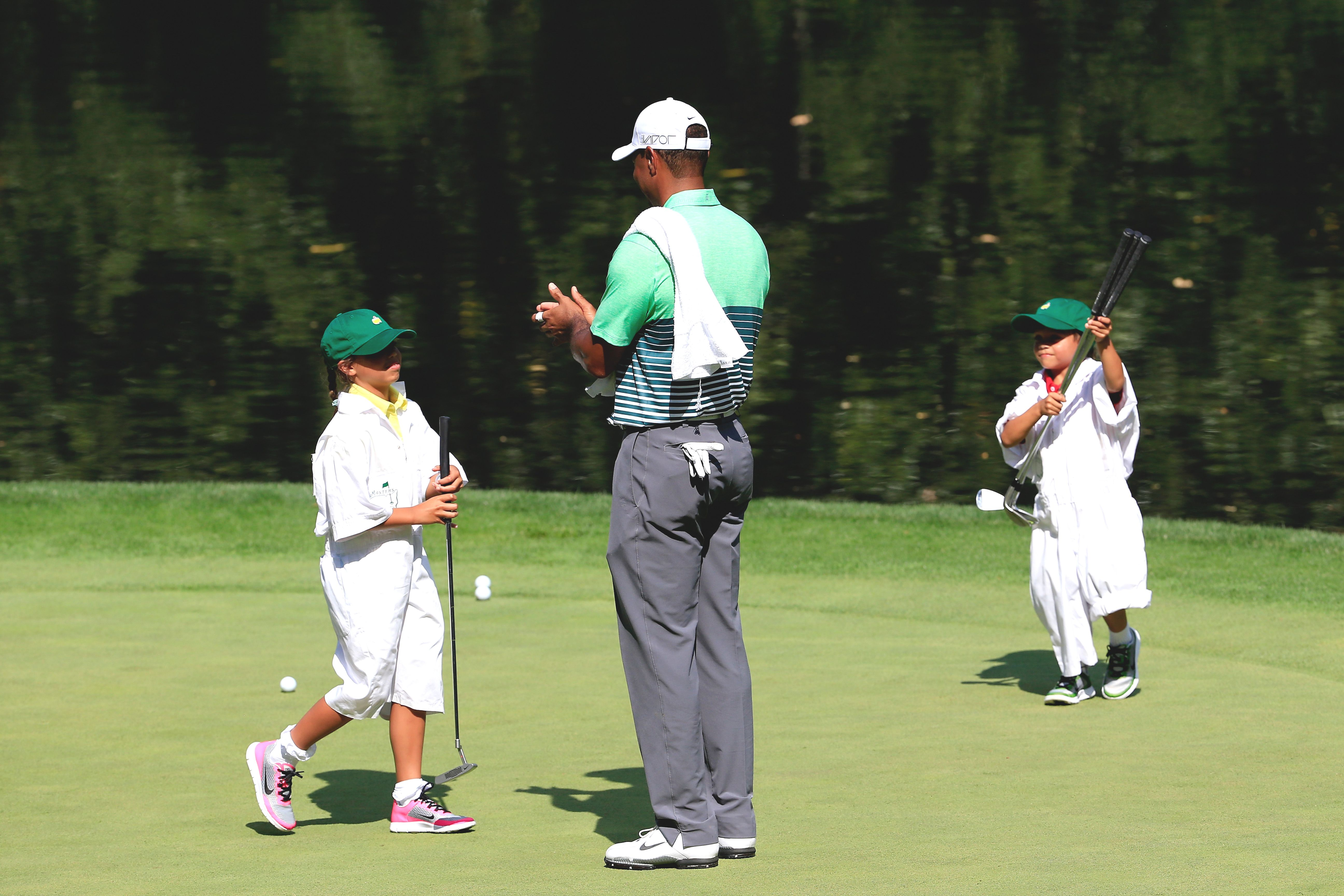 Tiger Woods and kids at the 2015 Masters Par 3 Contest
