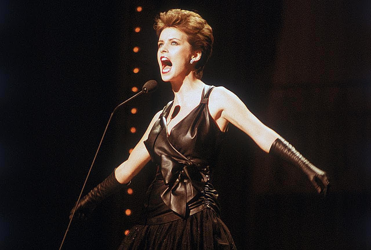 Sheena Easton singing at the Royal Variety Command Perfomance, London, 1982.