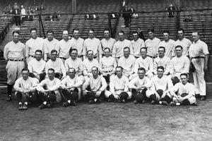 New York Teams Posing in Photo