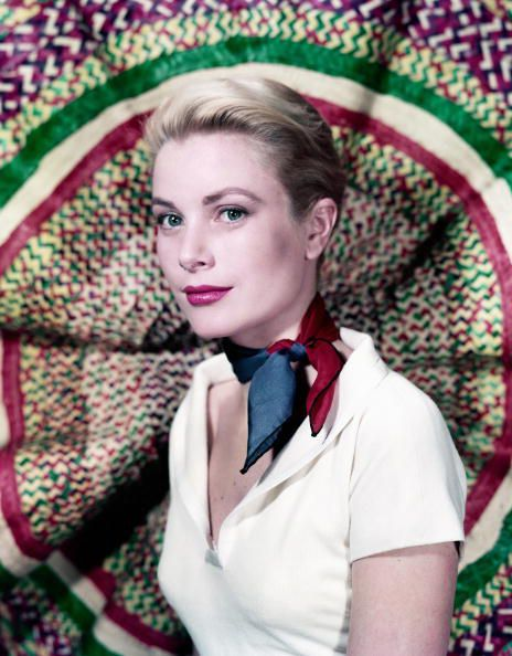 Grace-Kelly-circa-1955-Photo-by-Hulton-Archive-Getty-Images.jpg