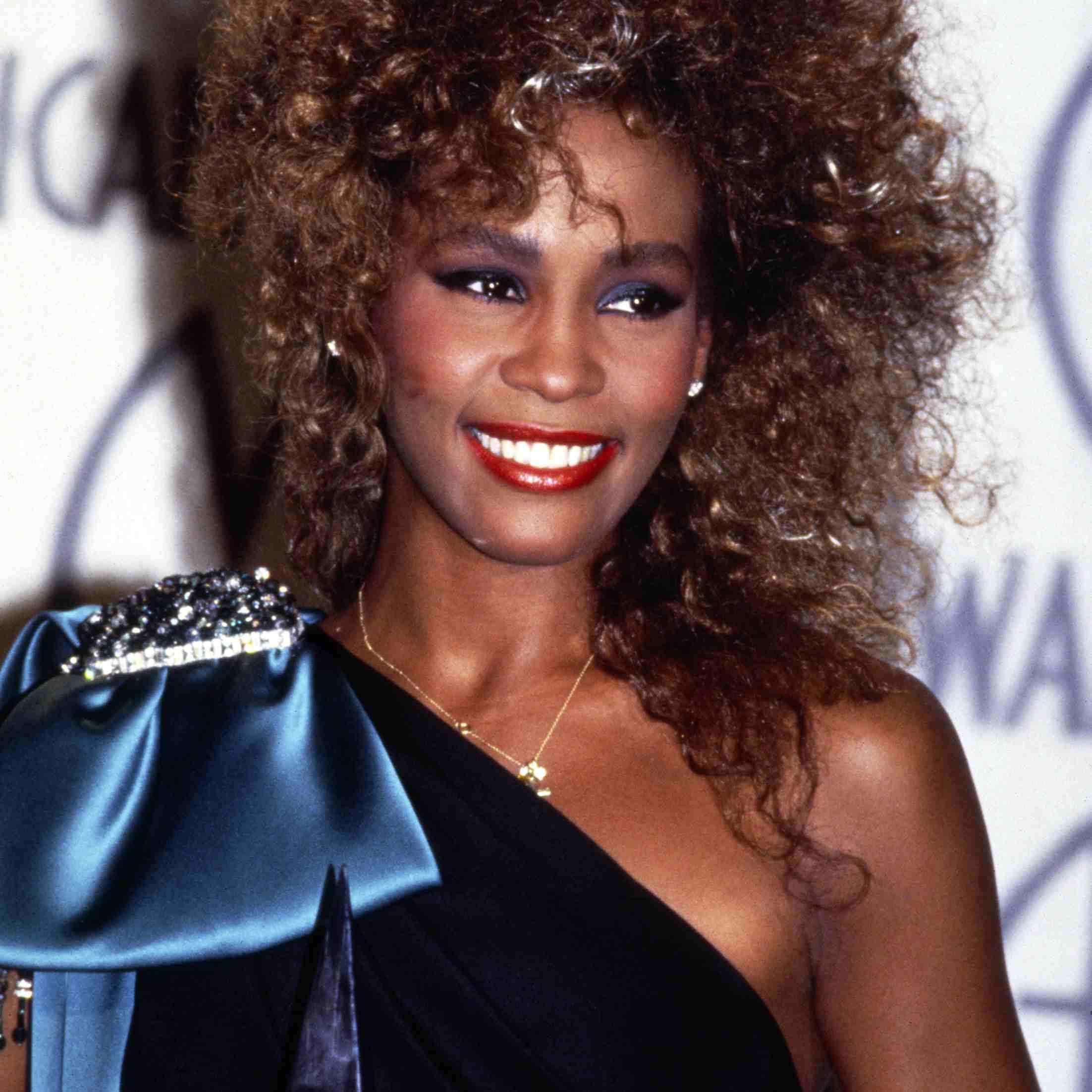 Whitney Houston 1986.jpg