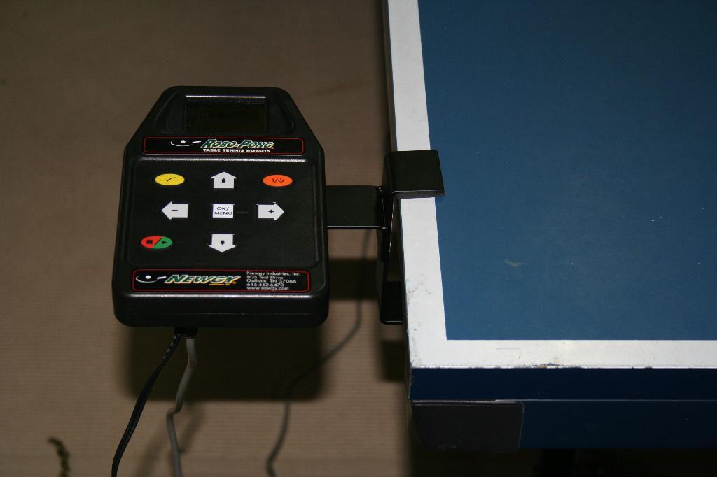 Photo of Newgy Robo-Pong 2050 - Remote Control
