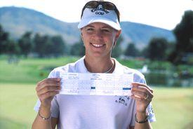 Annika Sorenstam with scorecard for her 59