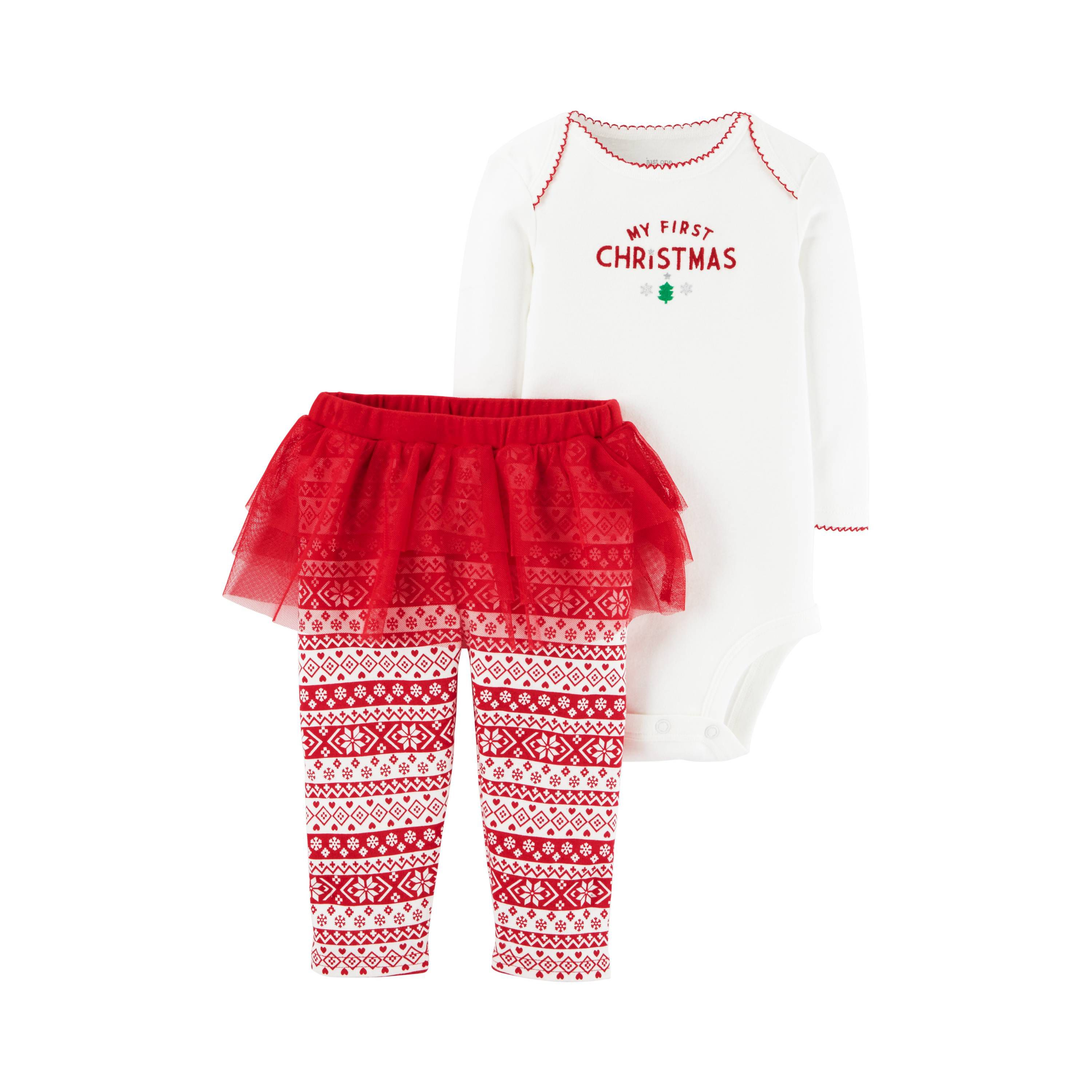 a38cca56b 20 Adorable Baby s First Christmas Outfits