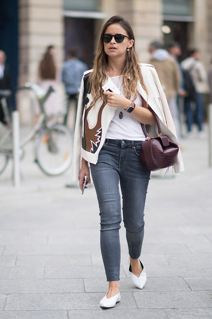 How To Dress Up A T Shirt And Jeans To Look More Chic