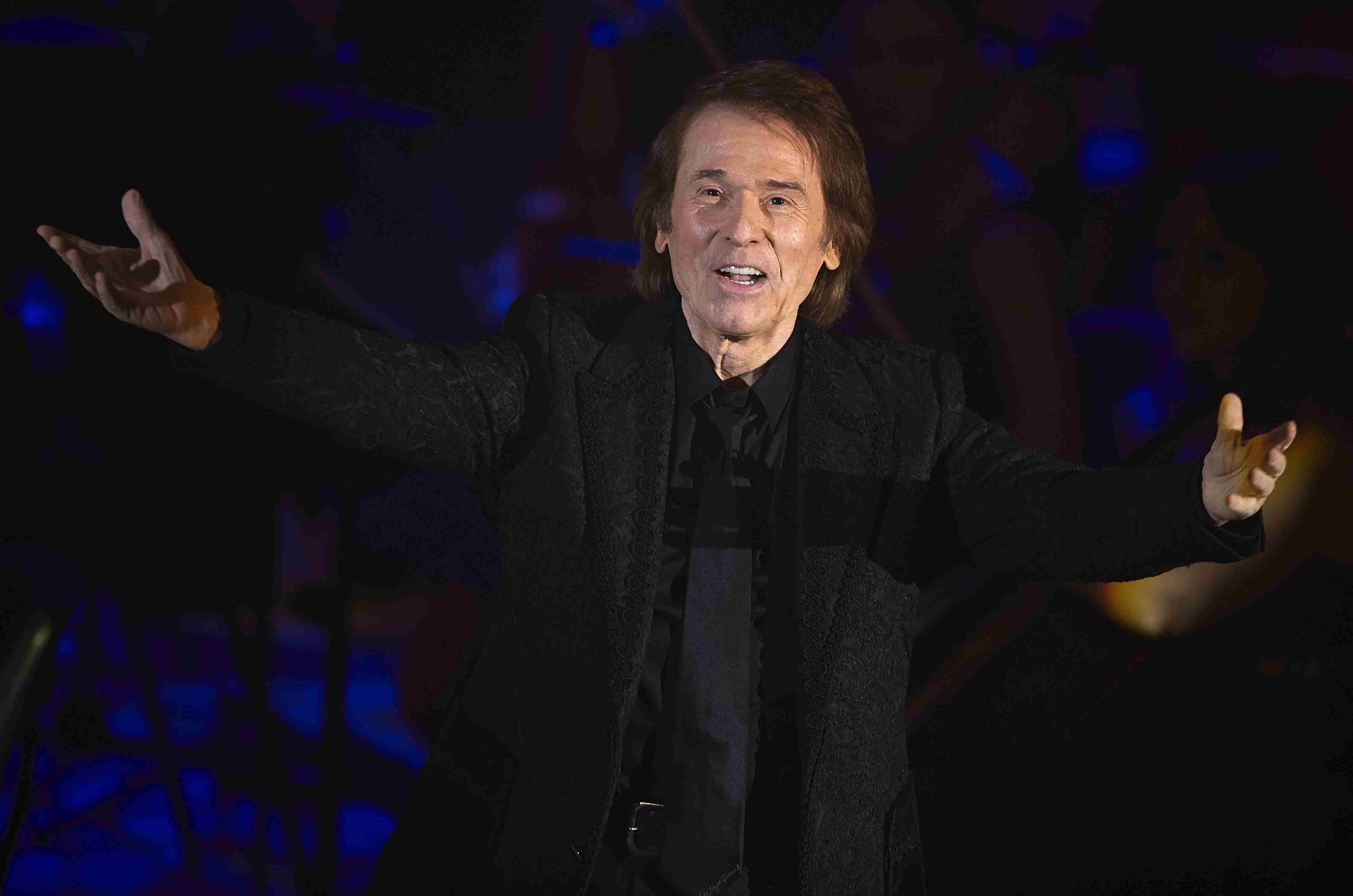 'Raphael Sinphonico' Concert in Valencia