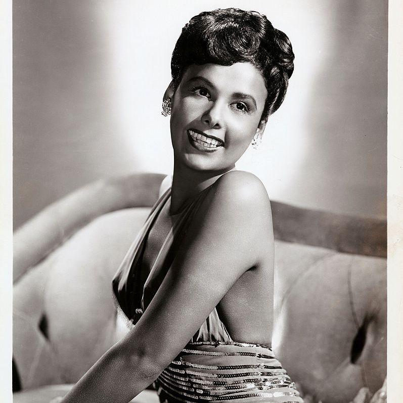 Publicity still of Lena Horne