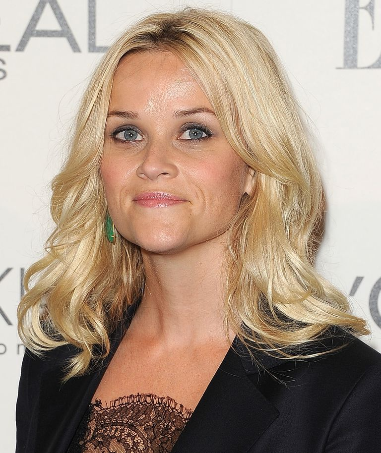 reese witherspoon hair style reese witherspoon s best hairstyles 5098 | reese witherspoon shoulder length hair 56a07fbc5f9b58eba4b108c3