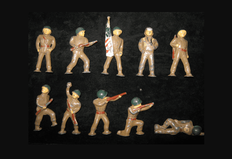 1950s antique toy soldiers made of lead
