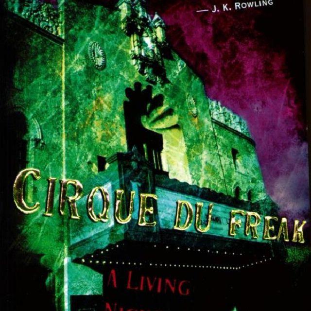 Cirque du Freak Volume by Darren Shan cover art.