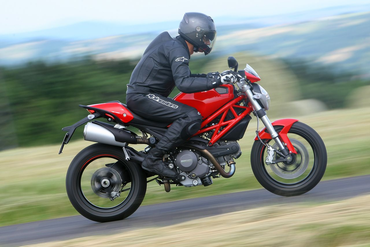 Amazing 2011 Ducati Monster 796 Abs Motorcycle Review Onthecornerstone Fun Painted Chair Ideas Images Onthecornerstoneorg