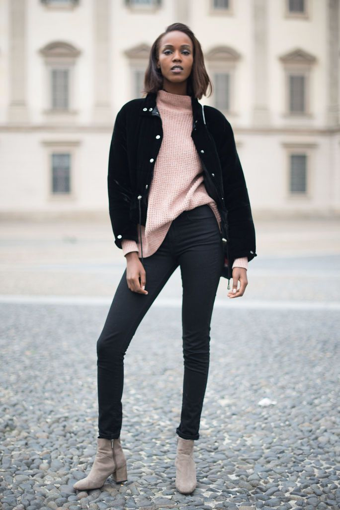 df84e8d66d9 12 Chic Ways to Rock Black Skinny Jeans