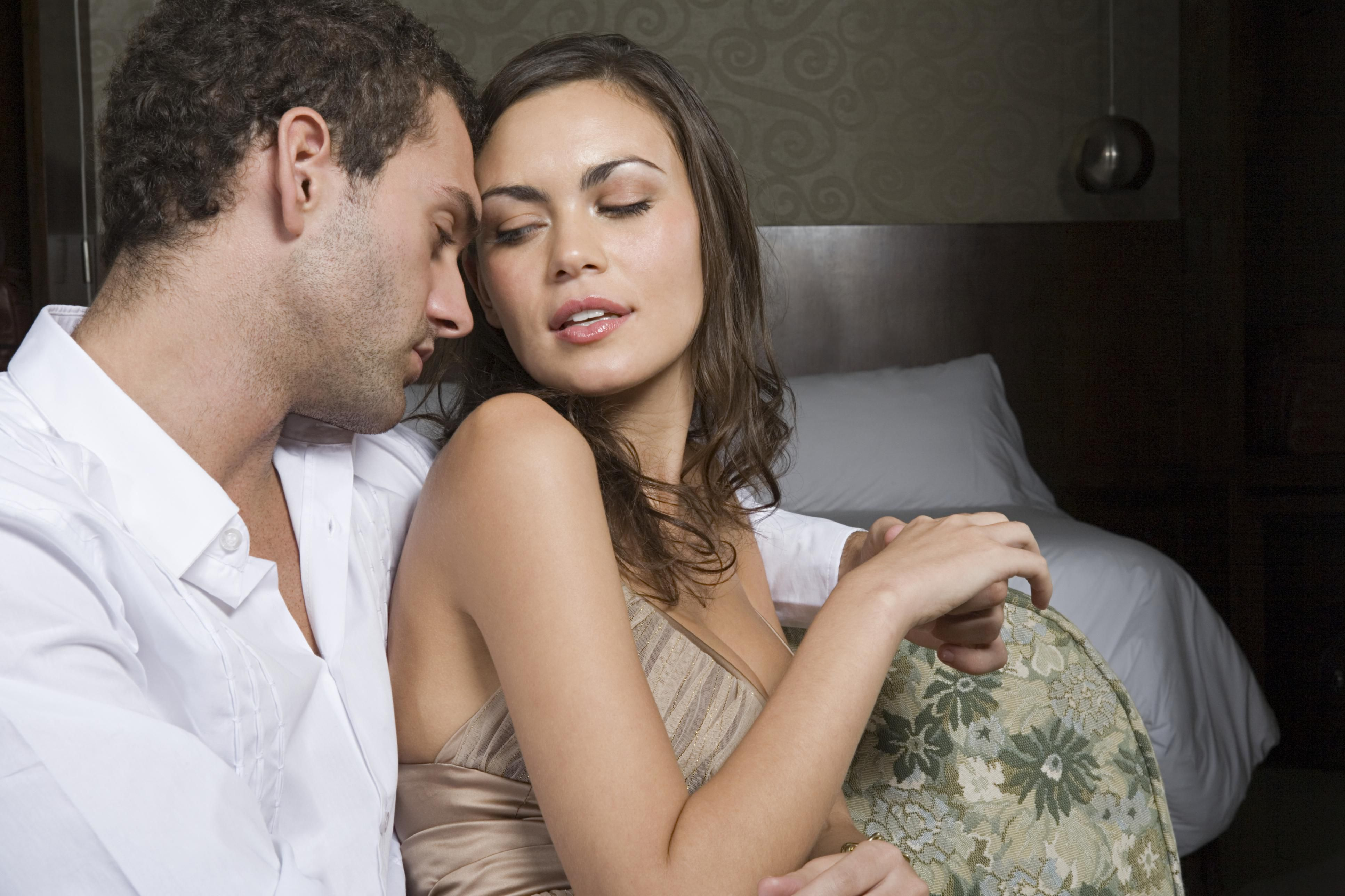 Женщины изменяют смотреть секса поп