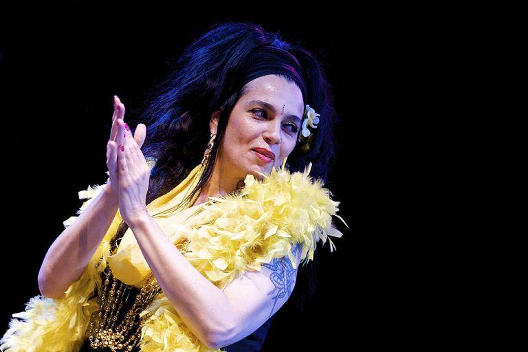 Spanish singer Marina of the band Ojos de Brujo