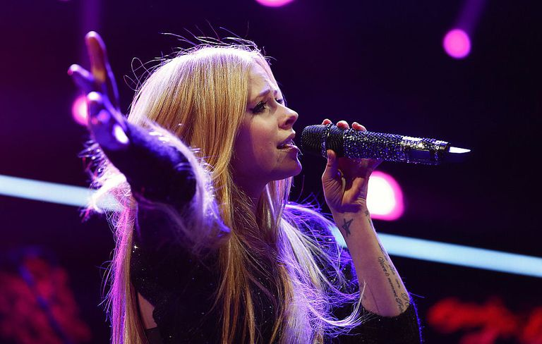 Avril Lavigne performs at the 103.5 KISS FM's Jingle Ball 2013