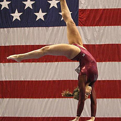 Alicia Sacramone (USA) performs on the beam at the 2007 US Nationals