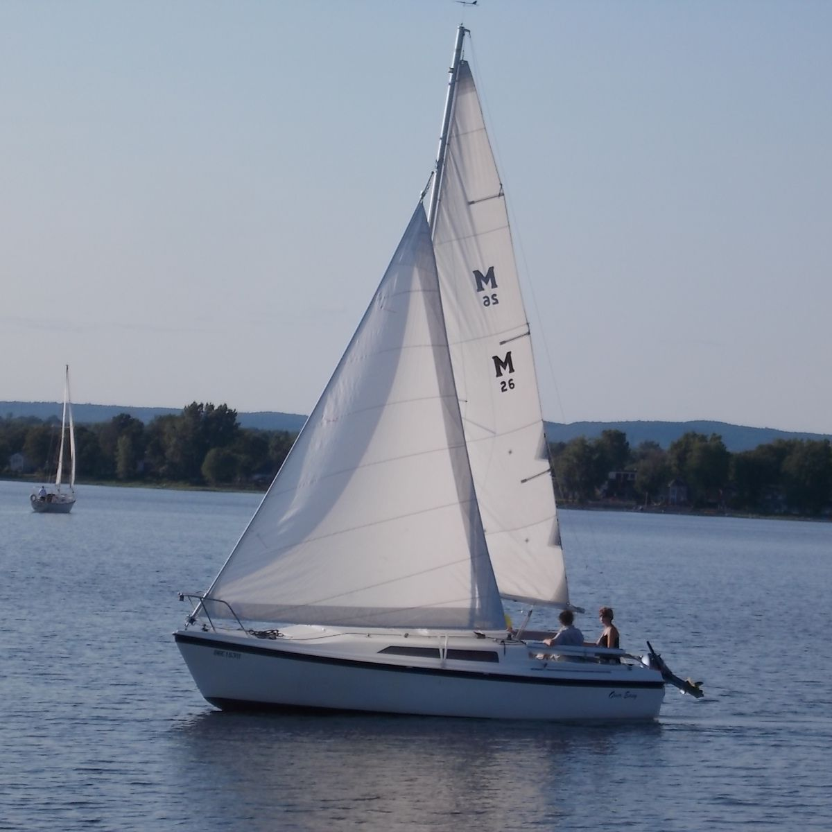 Review of MacGregor Trailerable Sailboat