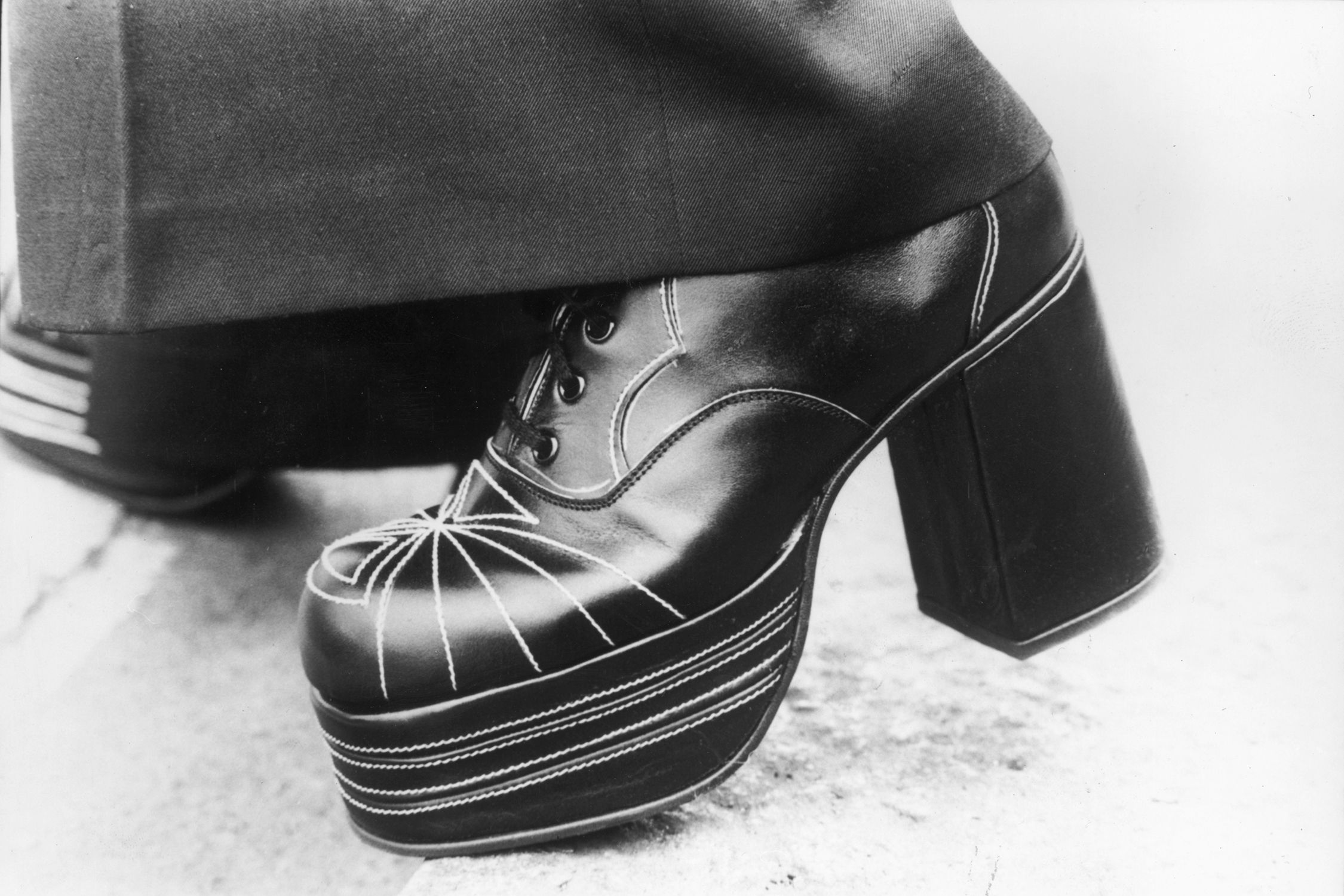 ef73e3a10c8c Shoes We Dug in the Seventies   Top Styles and Trends