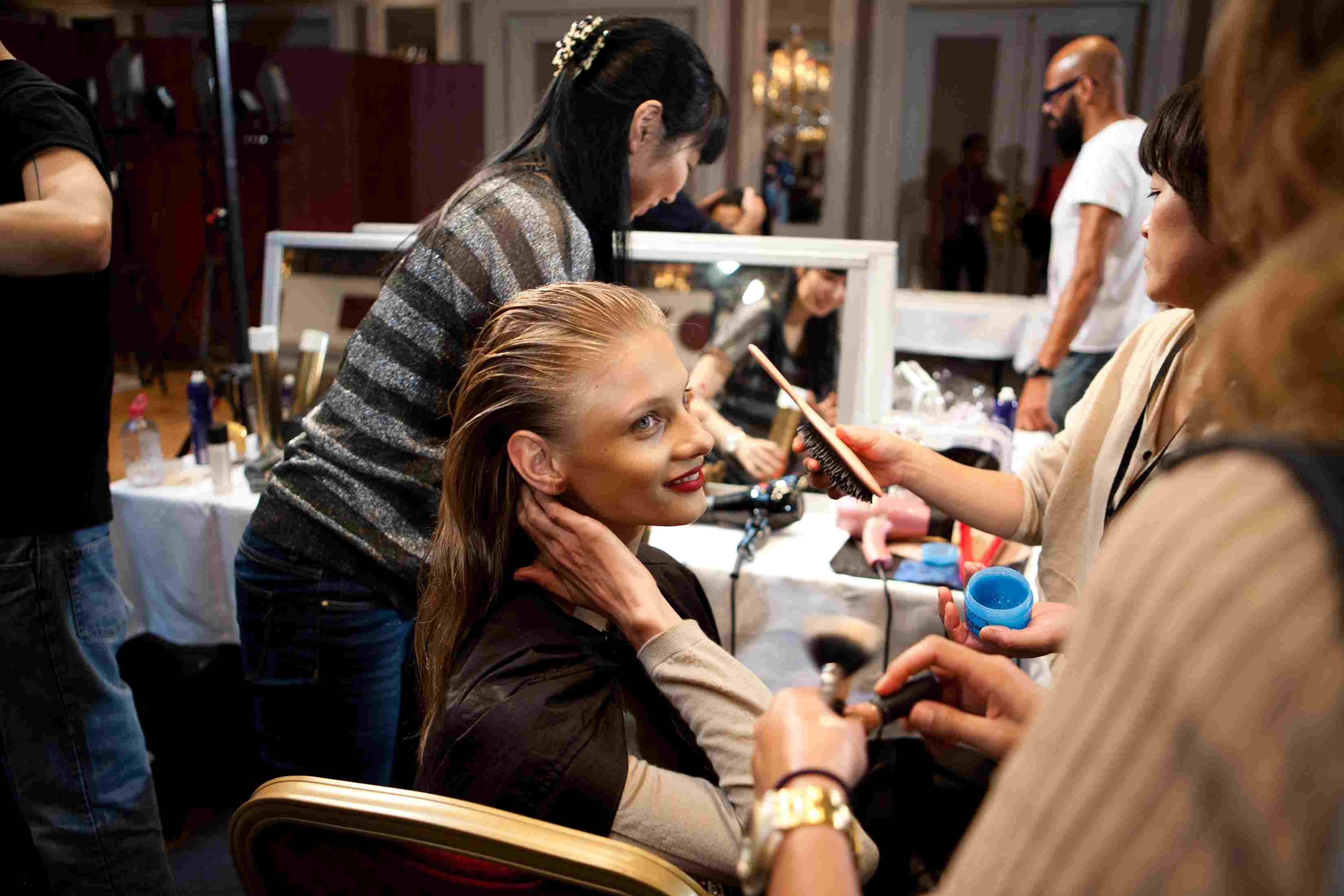 Anna Selezneva—Chamomile Rinse for Hair Health