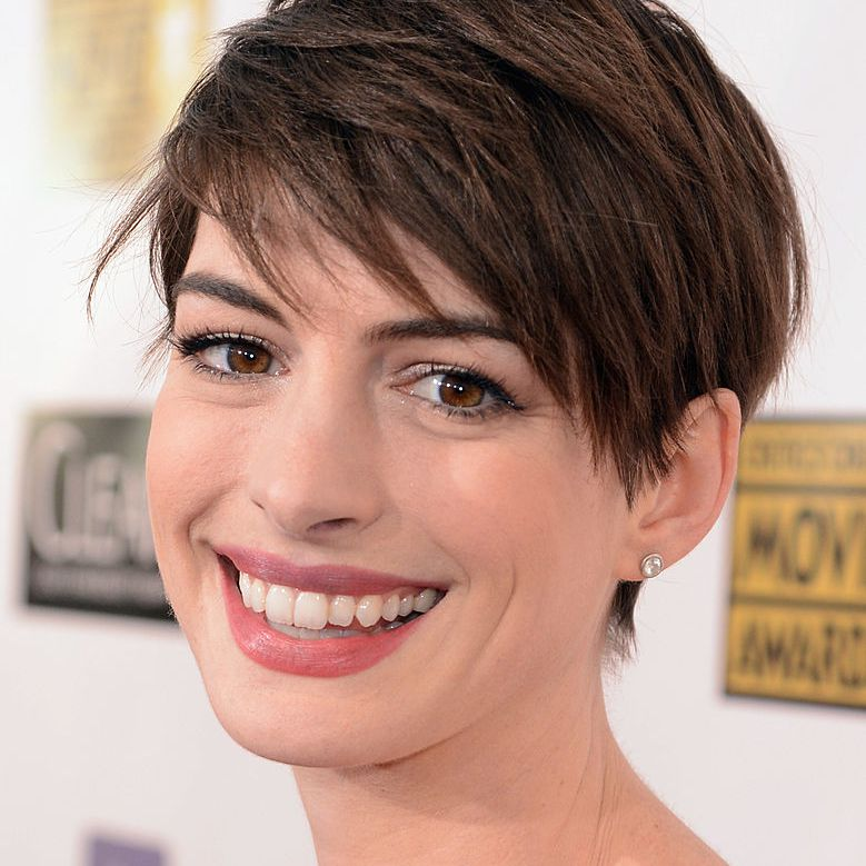 The Best Short Haircuts For Brunettes