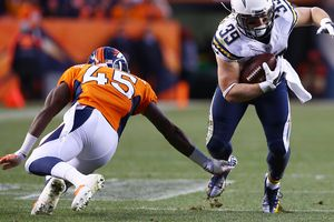 Danny Woodhead #39 of the San Diego Chargers Completes a Pass Reception