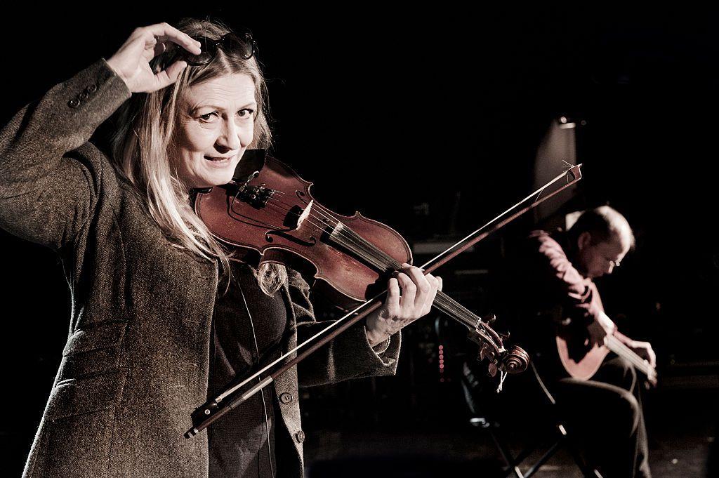 Irish fiddler and singer from Irish folk band Altan