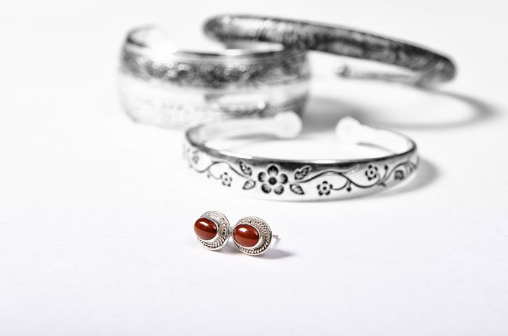 How To Keep Sterling Silver Jewelry From Tarnishing