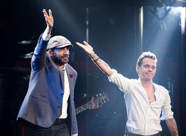 Juan Luis Guerra on stage