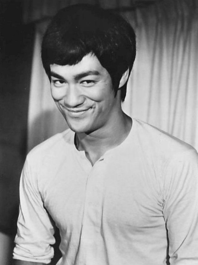 Photo of Bruce Lee from the film Fists of Fury.