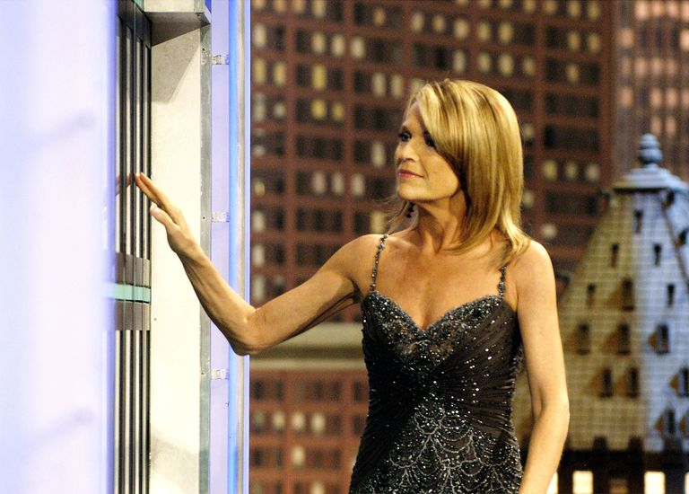 """Vanna White and """"Wheel of Fortune"""" Train unveiling at Union Station in Chicago"""
