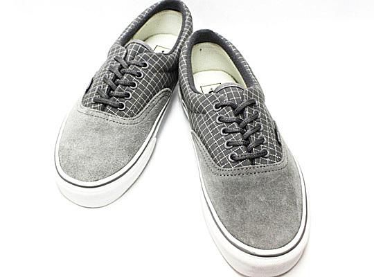 Vans Shoes - Limited Editions and Classic Sneakers 7700e37e18