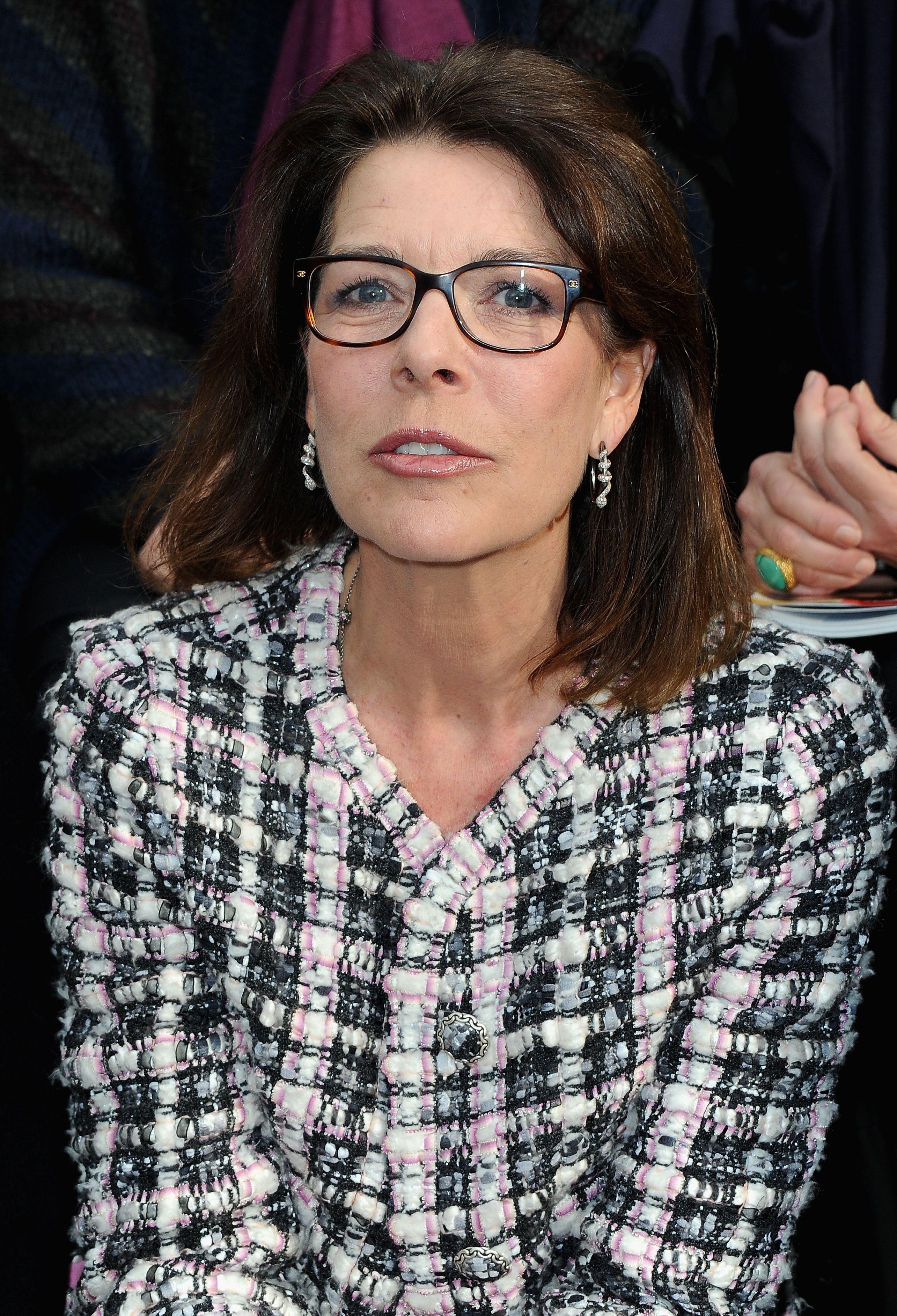 20207886b1 Choosing Eyeglass Frames for Older Women