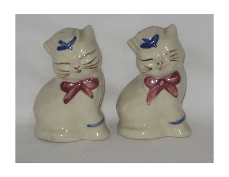 Vintage Shawnee Pottery 1940's-1950's Puss N' Boots Salt & Pepper Shaker Set